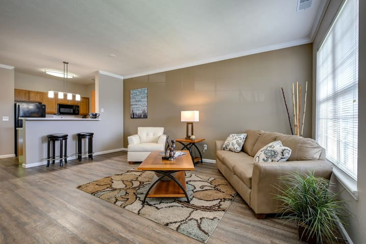 Everything you need | 1BR in Greenwood