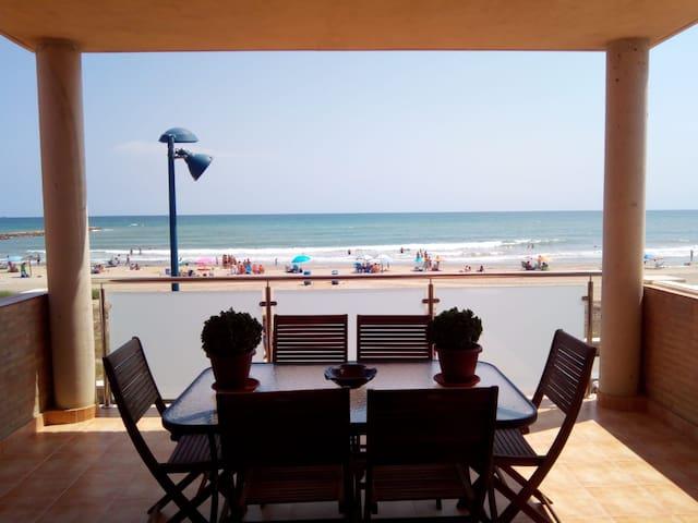 Una casa en primera línea de playa (VT-46948-V)