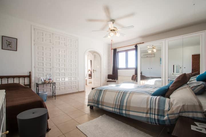Master bedroom at Estrella Lodge