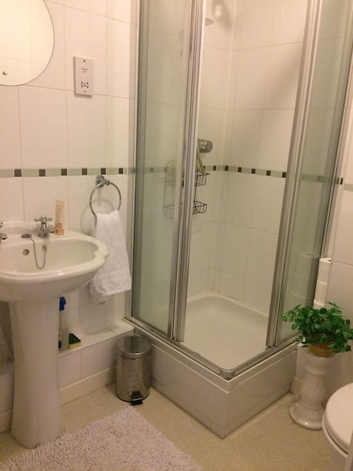 Ensuite with towels and shower gel provided.