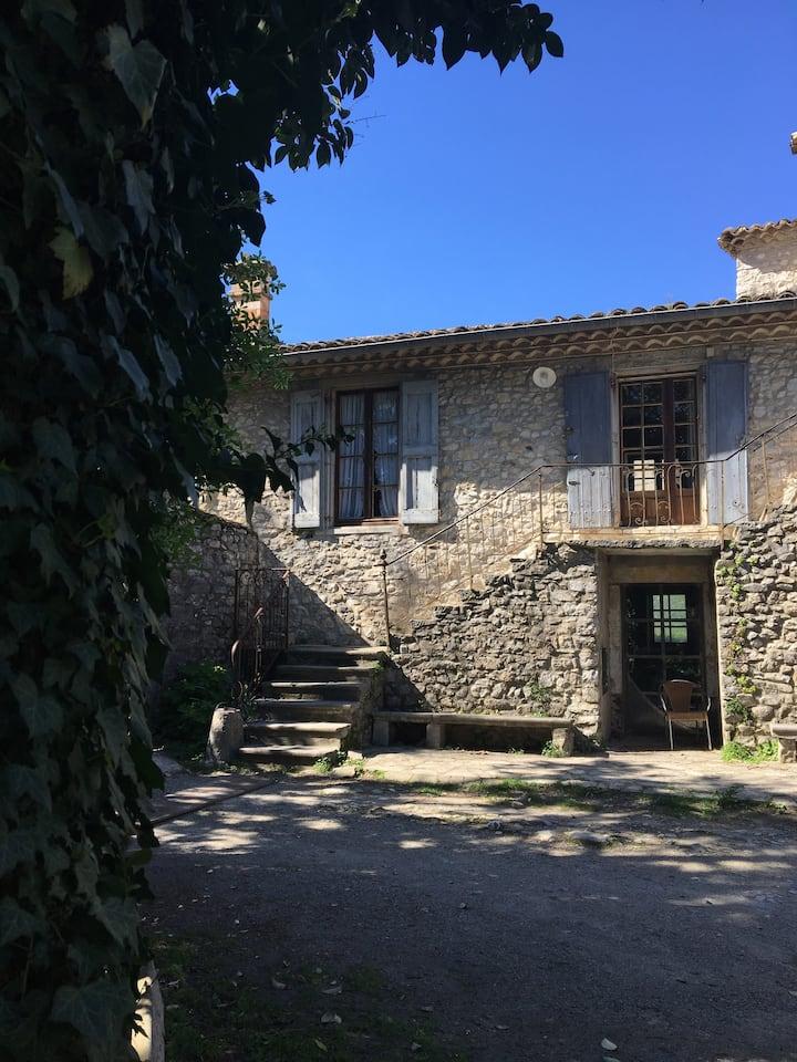 Appartement/ maison village au pied des Cevennes