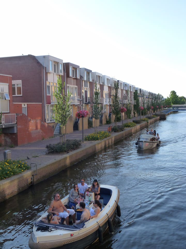 Appartement in grachtenpand, 20 min van Amsterdam
