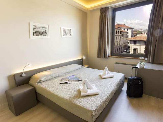 Double room in the center of Florence
