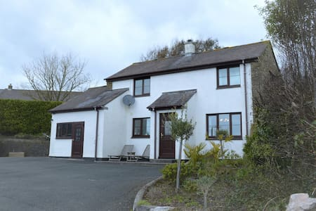 Stone Cottage with Hot Tub in the South Hams - East Charleton