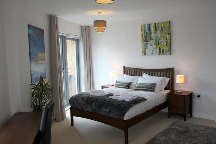 2 Double Beds♣1 Single Bed♣Free WIFI♣TV♣Balcony