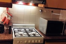 full kitchen and microwave