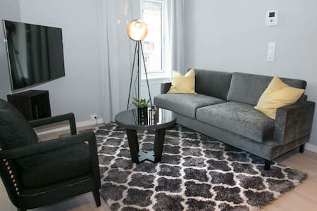 Modern and central 2-bdr. apt in Oslo Centre - ออสโล
