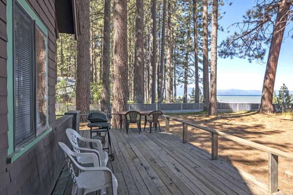 Rustic family cabin on the lake sleeps 12 cottages for for Rent a cabin in lake tahoe ca