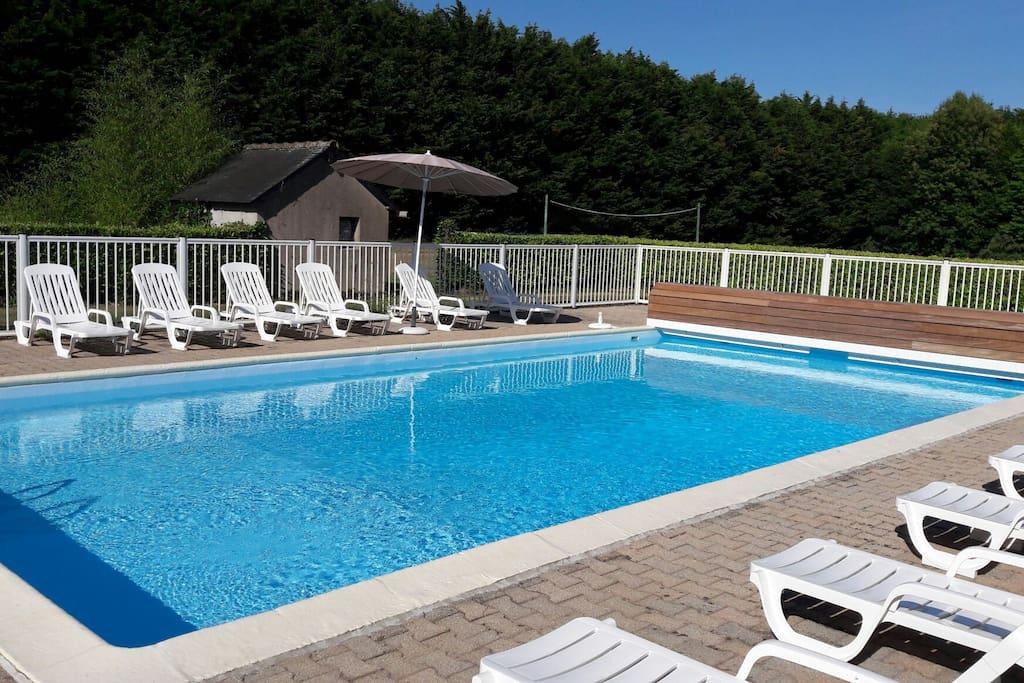 G te avec piscine proche golfe morbihan villas louer - Gite avec piscine bretagne ...