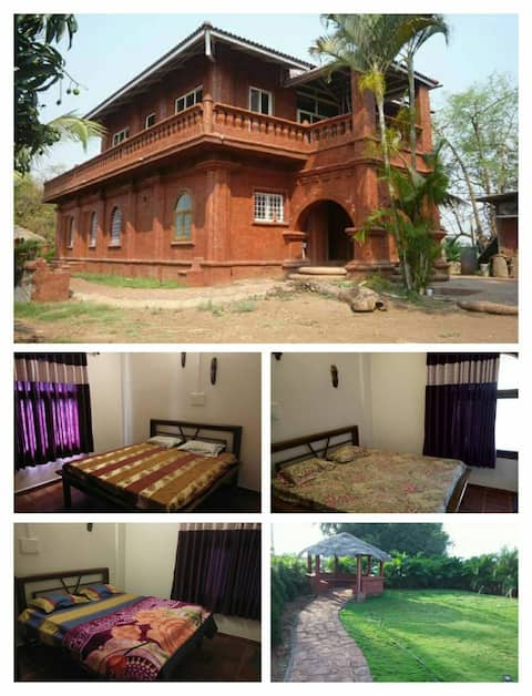 Excellent private antic farm stay and food