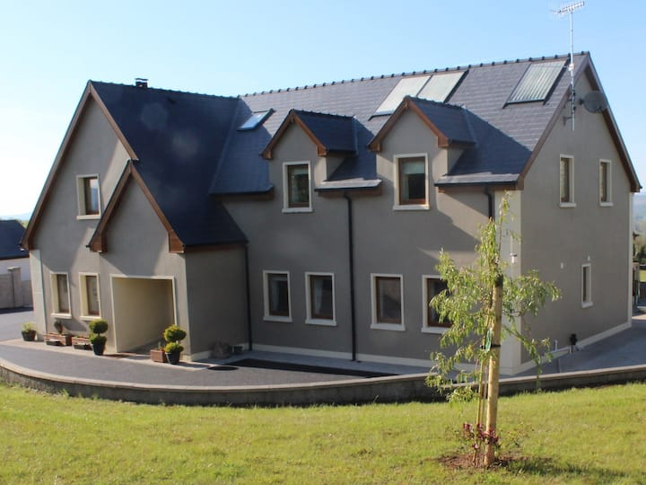 Erne Manor Large 4 Bed Holiday Home -Entire House