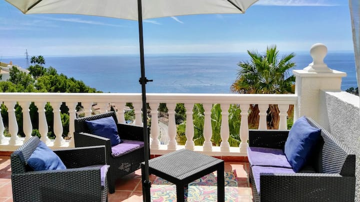 Modern duplex with views of the bay of Altea