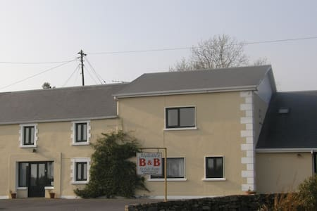 1 bed Apartment at Mellottes Accommodation - Cornamona