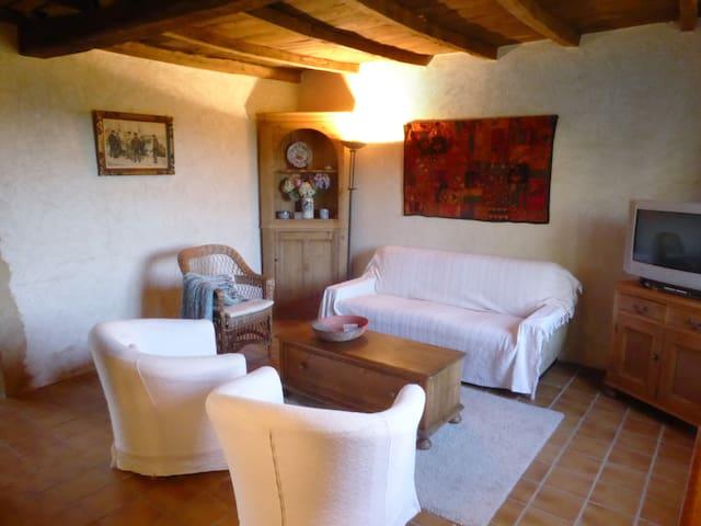 Gîte de charme en Dordogne - Queyssac - House
