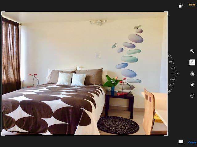 Acogedora, Tranquila habitación, Baño, TV, WIFI.