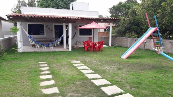 Casa a 50 m da praia no paraíso de Guaratiba