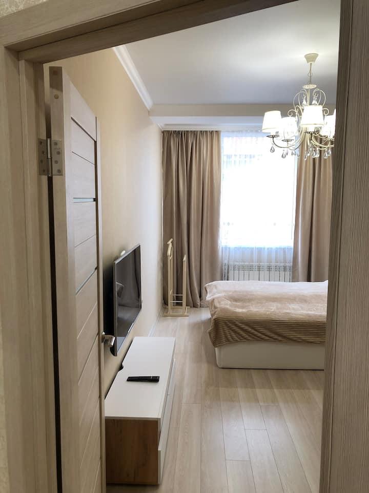 Апартаменты lux, рядом источник, санатории, Парк !