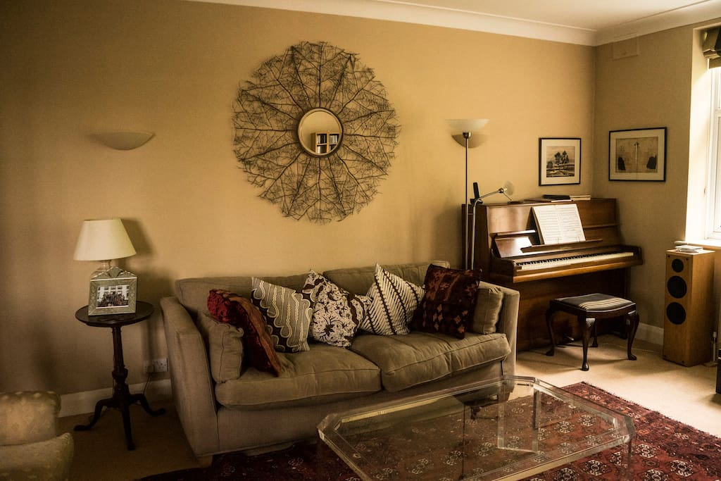 Sitting room with good Chappell piano.