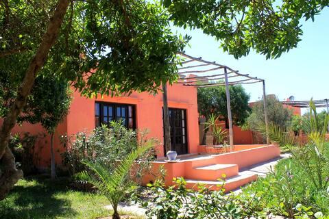 bungalow dans jardin de 3200 m2