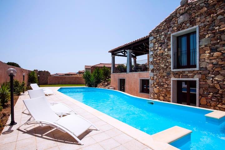 Prestigious Villa Layla