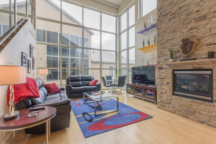 Condo, Lofts 6C, Fireplace, Wifi, Hot Tub, Laundry, Garage