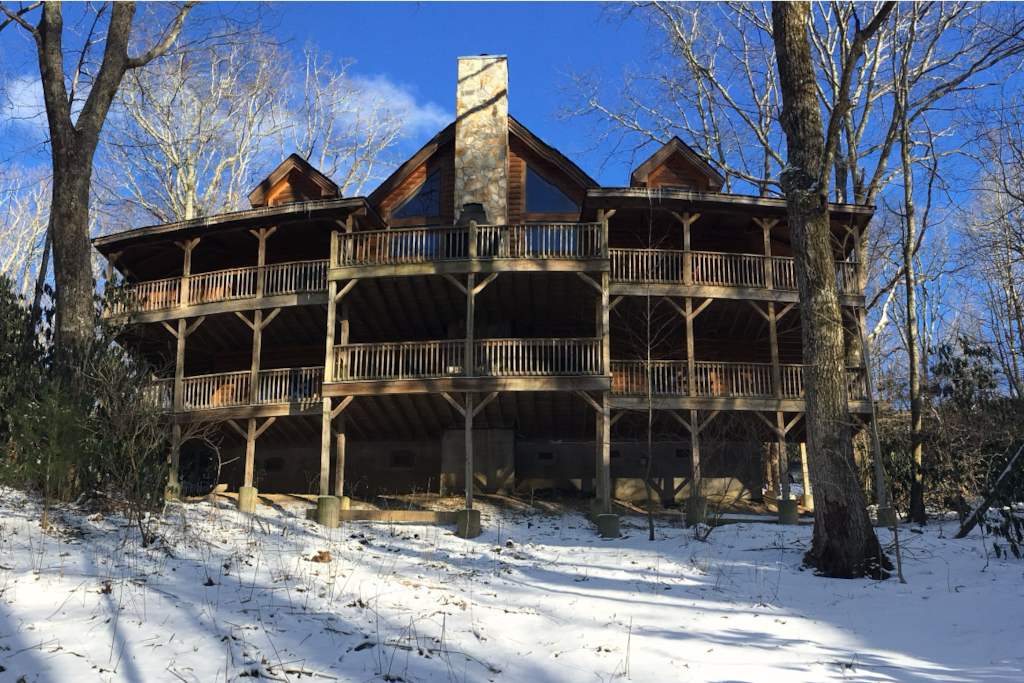 Fire ice cabin luxury home perfect location cabins for Cabin rentals near blowing rock nc