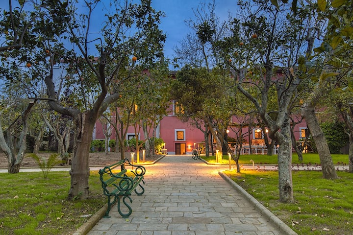 Villa Il Principe with Garden, close to the beach