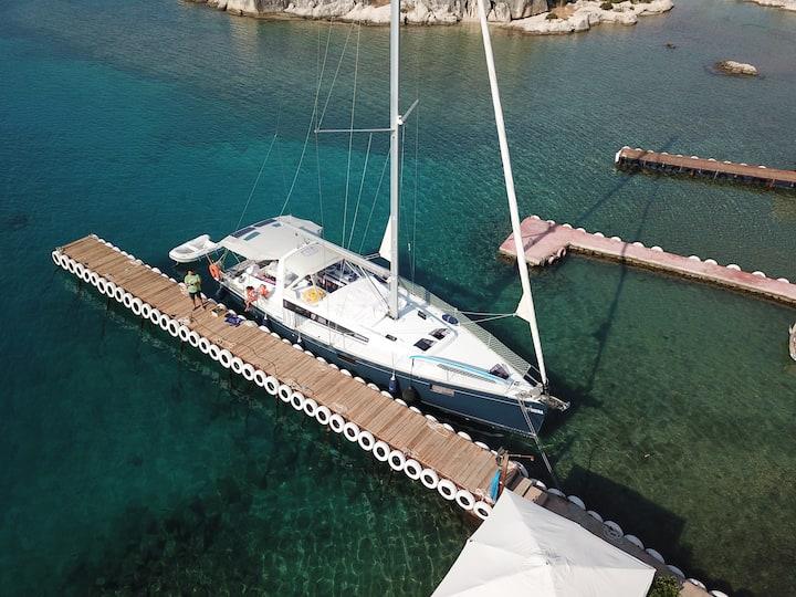 Overnight Stay on Sailing Yacht in Kas Marina