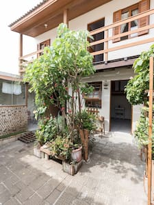 Cozy Backhouse - 2 single rooms & kitchen - 阿雷格里港