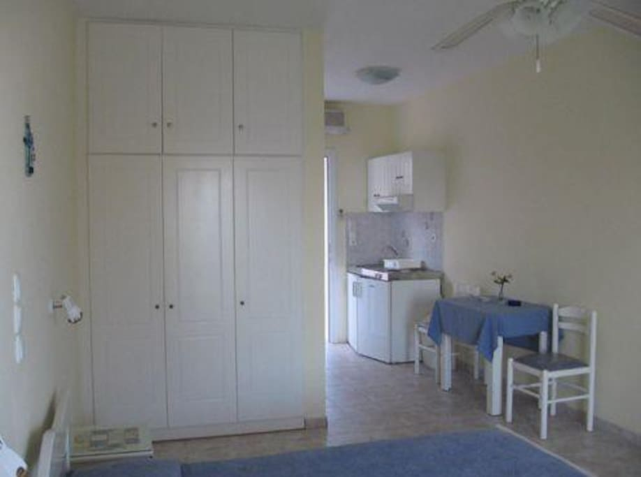 The rooms offer 2 double beds, kitchenette, spacious closet, bathroom with WC, shower and sink and nice balcony