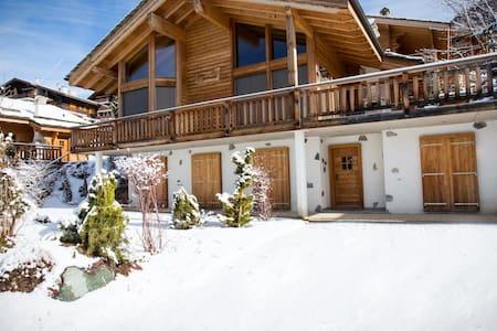 Luxury Ski Chalet, sleeps 8 or 10 - Veysonnaz