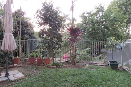 Allambie garden flat - Allambie Heights - Departamento