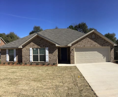 Prattville  Paradise - Entire house: 4 bedrooms
