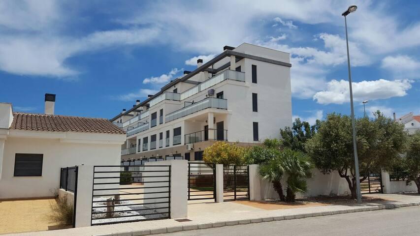 Apartamento 2 Dormitorios Plus - Oliva - Apto. en complejo residencial