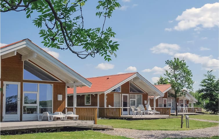 Holiday cottage with 2 bedrooms on 43m² in Skærbæk