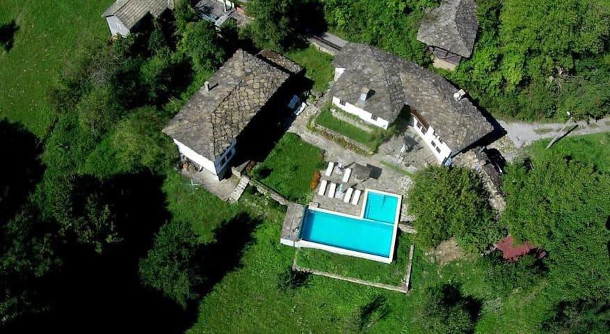 complex Balkan paradise - Spasovtsi