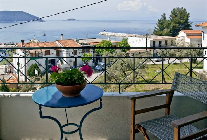 Dia - Holiday Studio with a Seaview in Skopelos