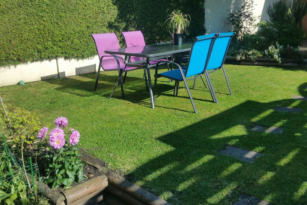 La ville au calme houses for rent in lisieux normandie for Piscine lisieux