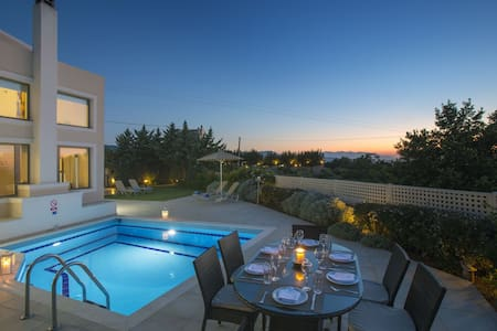 Private luxury 4bdroom Villa with wonderfull view - Σκουλούφια