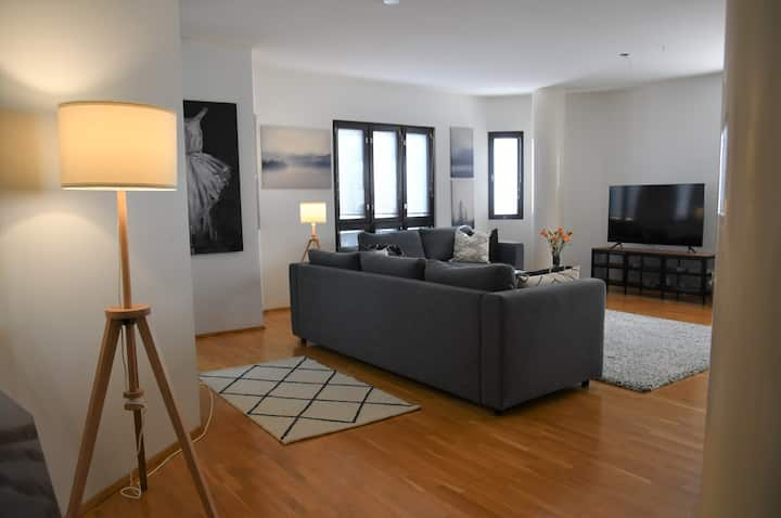 Spacious and bright home in the heart of the city