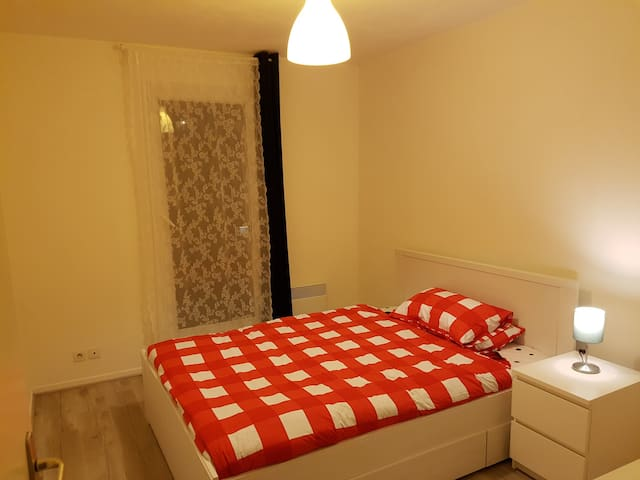Nice stay near City centre, Metro & Train stations