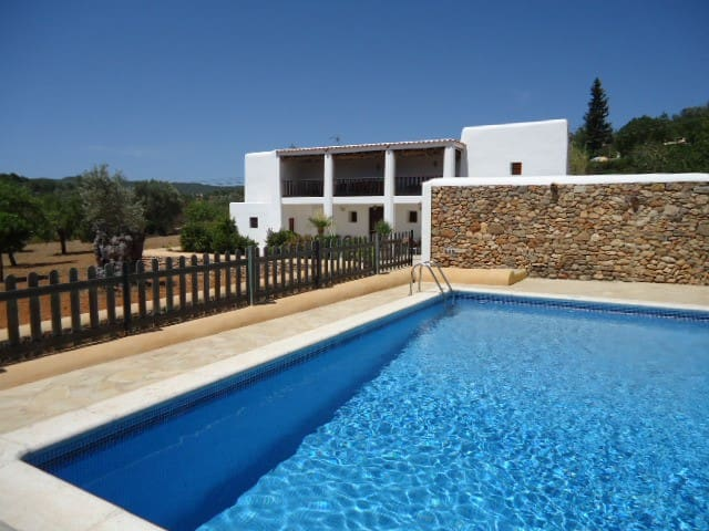 Large Villa with View & Pool by Village, sleeps 8