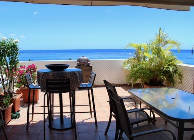 Appartement vue imprenable sur Moorea et le lagon.