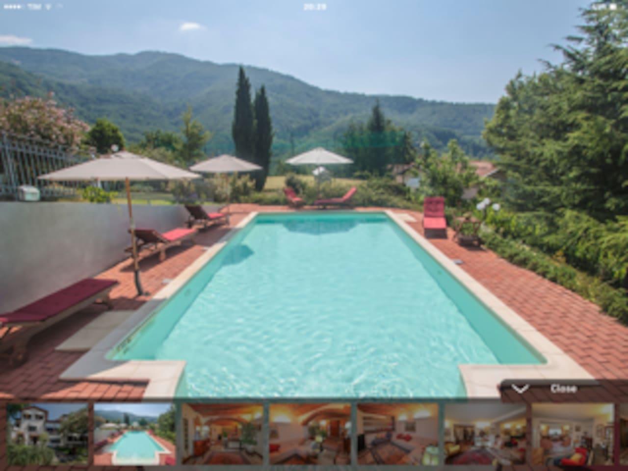 piscina con scala roman