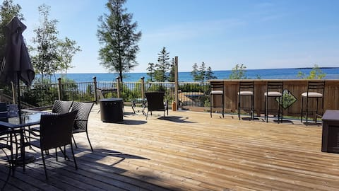 Tobermory Escape - Lakefront Cottage with a view!