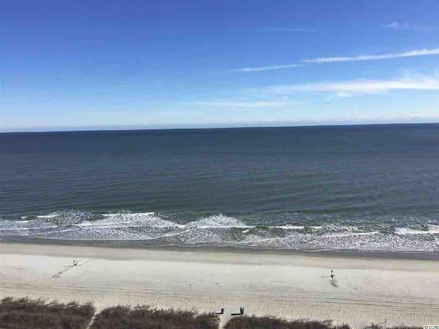 Boardwalk Resort/Oceanfront/Great Summer Deals!