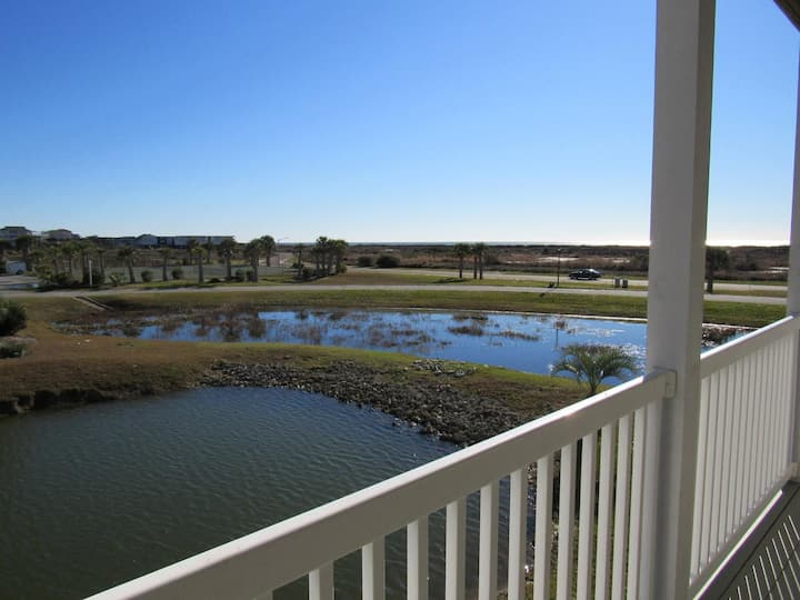 Cottagevacations4u Island Dunes- ocean view- pool club- 2 minutes walk to beach