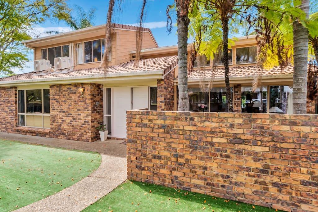 casa linda a family escape h user zur miete in hillcrest queensland australien. Black Bedroom Furniture Sets. Home Design Ideas