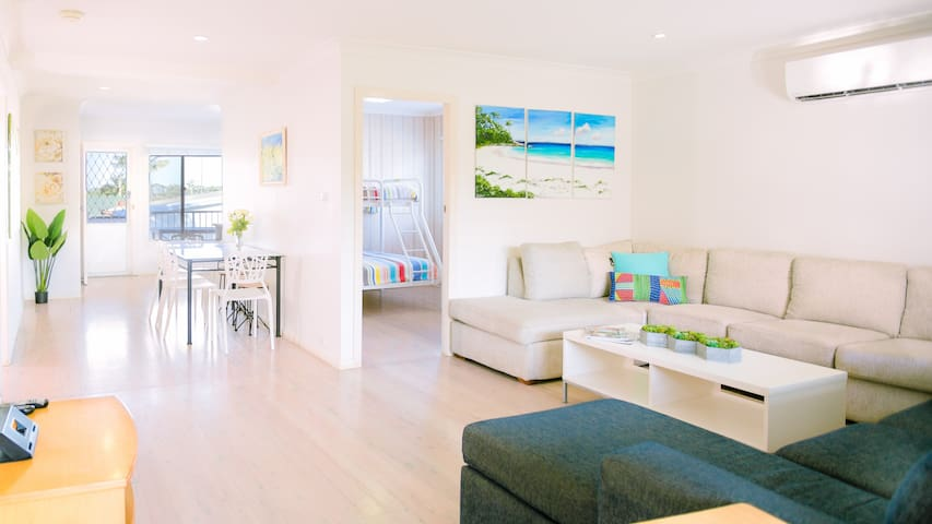 Cosy house in heart of Huskisson.