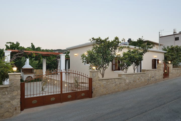 Anna 's House - Garden Cottage in Kissamos
